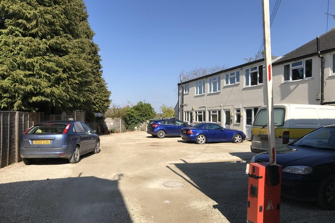 4 Thame Road, Chinnor, Retail To Let - IMG_0912.JPG