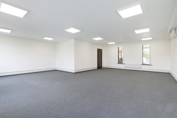 Unit D Thames Mews, Unit D, Thames Mews, Esher, Offices To Let - IW-100619-GKA-026.jpg