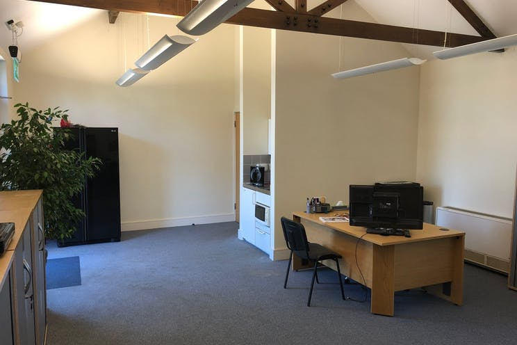 Unit 2 Diddenham Court, Reading, Office To Let - 2 Diddenham Court  Internal office
