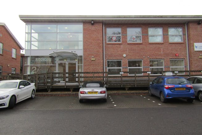 First Floor, 2 Millars Brook, Wokingham, Investment For Sale - IMG_1431.JPG