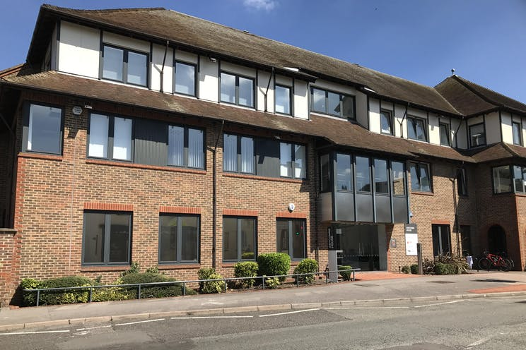 Ground Floor Left, Ashcombe House, 5 The Crescent, Leatherhead, Offices To Let - IMG_6557.JPG