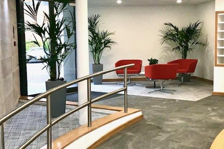 Rosemount House, Rosemount Avenue, West Byfleet, Offices To Let - IMG_3613.jpg
