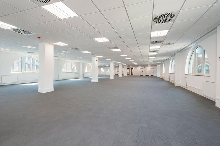 Regent House, Redhill, Offices To Let - Building Pic4 01 11 16.jpg