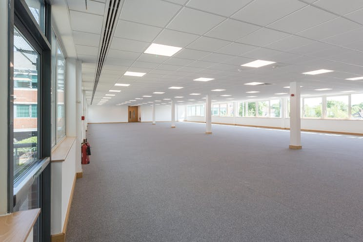 Kings Court, Leatherhead, Offices To Let - KingsCourt_bpp_065.jpg