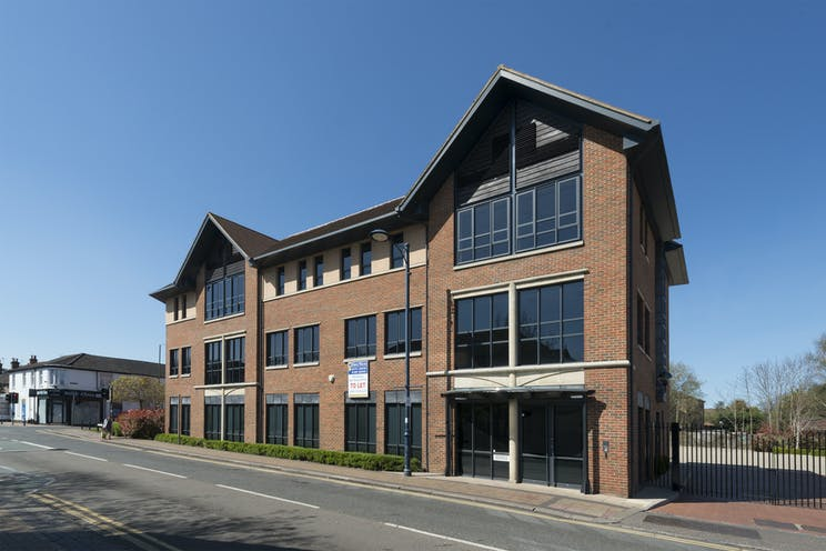 1st Floor Lindsey House, 1 Station Road, Addlestone, Offices To Let - External 1