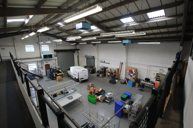 7A Woolmer Trading Estate, Bordon, Warehouse & Industrial To Let - IMG_0367.JPG
