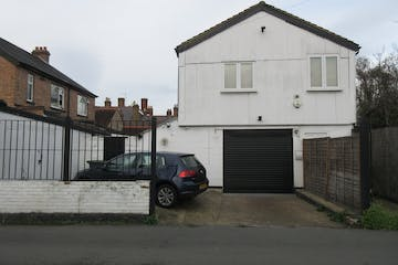 85A Laleham Road, Staines-upon-Thames, Warehouse & Industrial To Let - IMG_2244.JPG