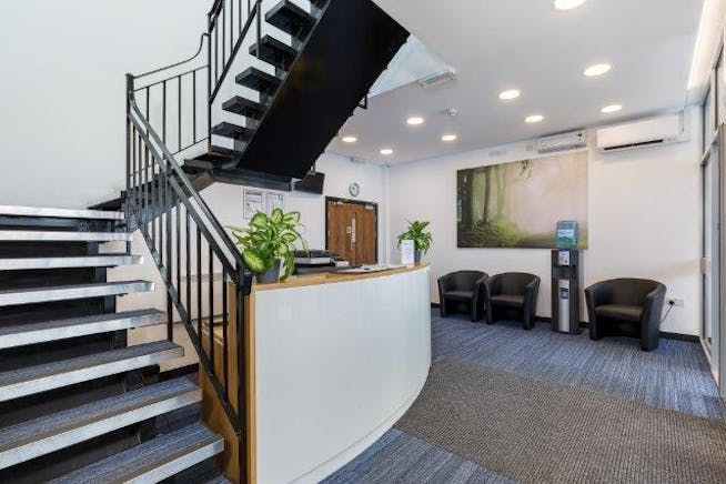 Image Court, 326-338 Molesey Road, Hersham, Offices / Serviced Offices To Let - IC5 (002).JPG