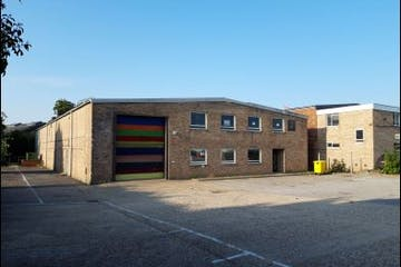 2 Stewart Road, Kingsland Business Park, Basingstoke, Warehouse & Industrial To Let - Image 2 front.JPG