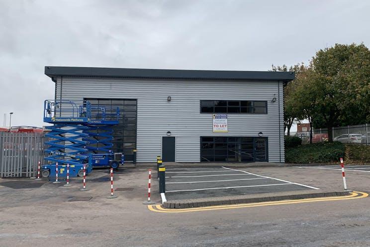 Unit B Pioneers Industrial Park, Beddington Farm Road, Croydon, Warehouse & Industrial To Let - IMG_1896.jpg