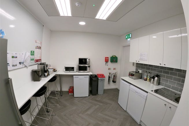 22 King Street, London, Offices To Let - Kitchen