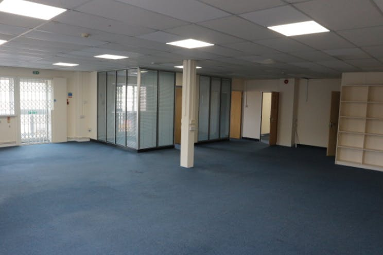 Unit 6 Weighbridge Row, Reading, Industrial To Let - Internal.png