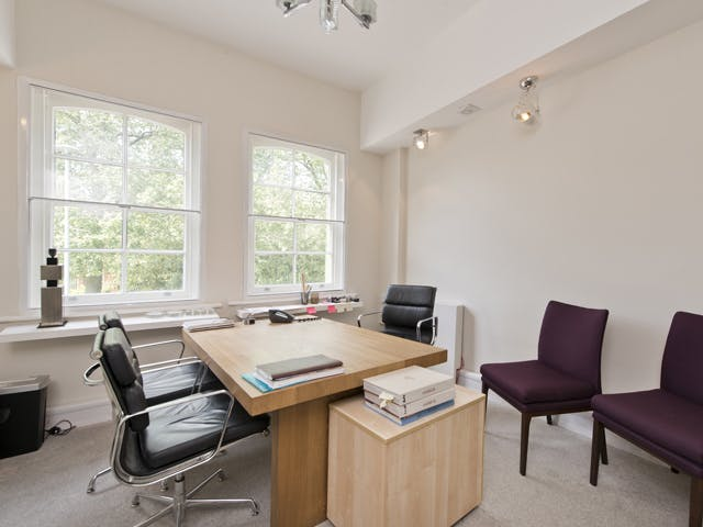 533 Kings Road, Chelsea,  Sw10, Office To Let - bella figura@533 kings rd-1 low.jpg