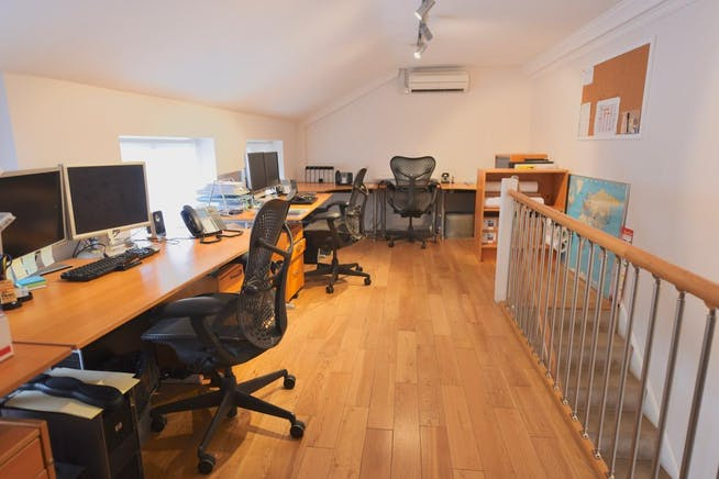 Fullers Yard, Eton, Office To Let - 1st Floor-West View.jpeg