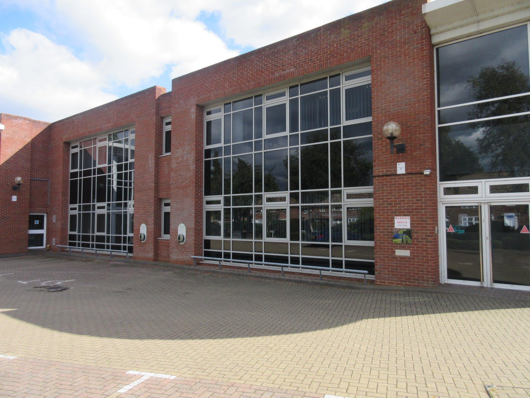 Unit C5 Octimum, Kingswey Business Park, Woking, Warehouse & Industrial To Let - IMG_8633.JPG