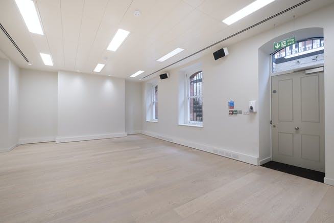 3 Mandeville Place, Marylebone, London, Office To Let - IW140521MH001.jpg