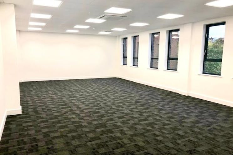 1st Floor Lindsey House, 1 Station Road, Addlestone, Offices To Let - IMG_3871.jpg