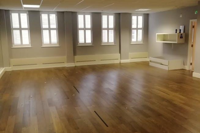 First Floor, 39 Queen Street, Maidenhead, Offices / Other / Other To Let - 1st floor studio.jpg