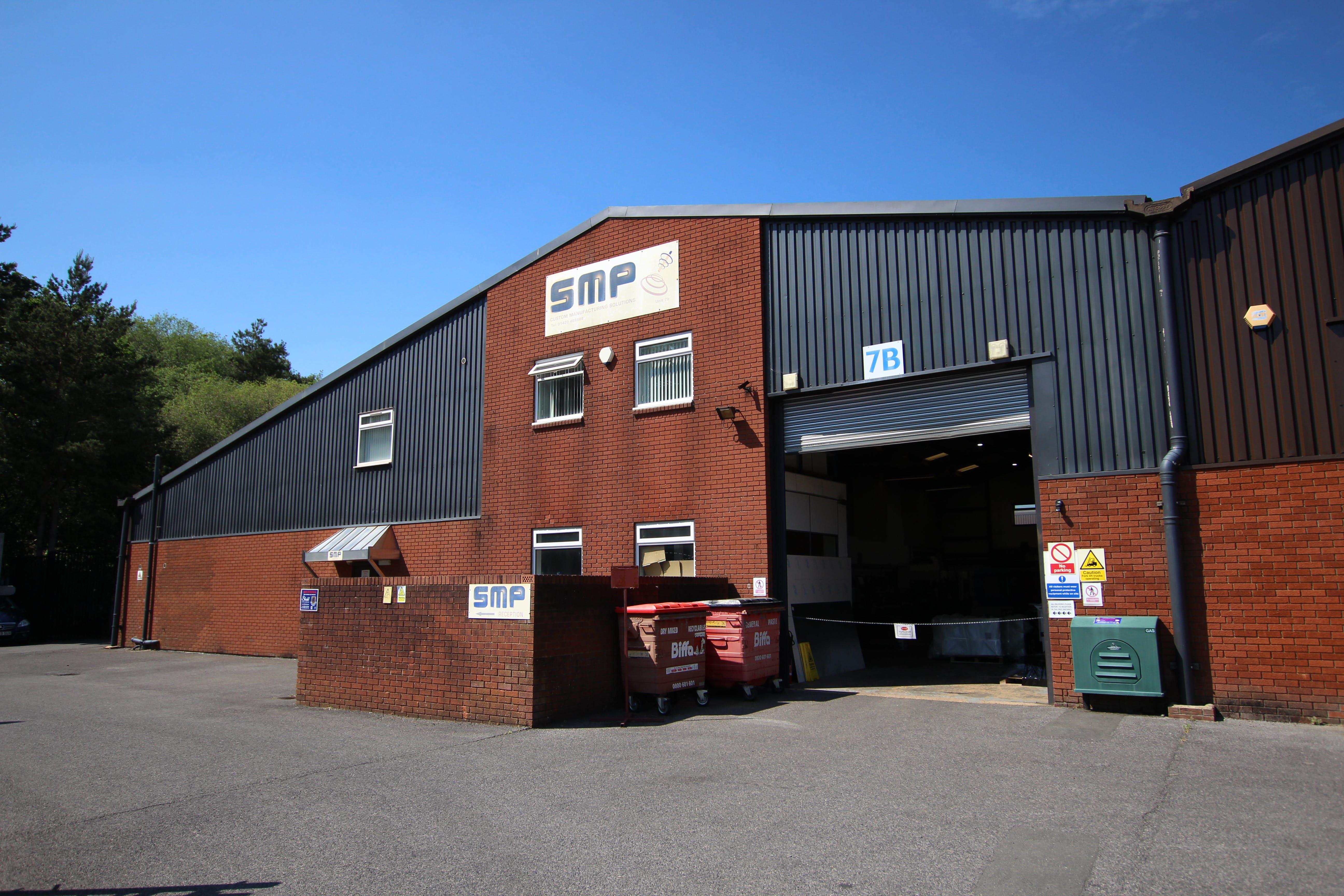 7B Woolmer Trading Estate, Bordon, Warehouse & Industrial To Let - IMG_1562.JPG