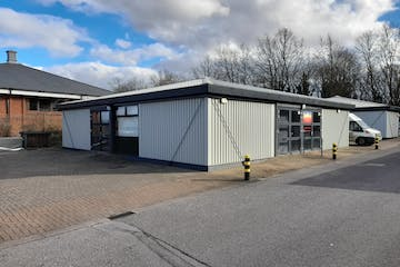 Units 19 & 20 Hassocks Wood, Stroudley Road, Basingstoke, Warehouse & Industrial To Let - Image 1