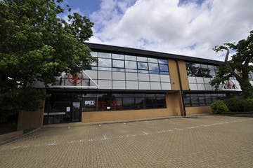 4 Charlwood Court, Crawley, Office To Let - _dsc0448.jpg