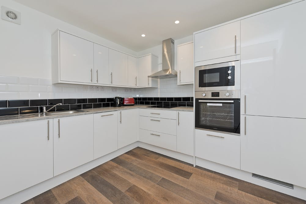 Unit 14, London, Residential To Let - unit 14 the talina centre7724 low.jpg