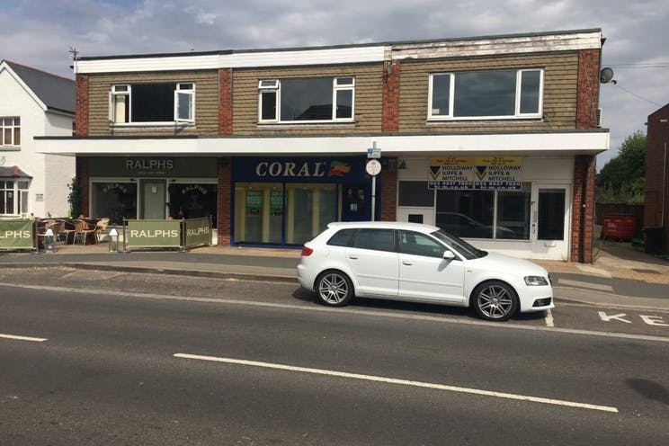 22-22a Elm Grove, Hayling Island, Retail To Let - 238-4606-1024x768.jpg