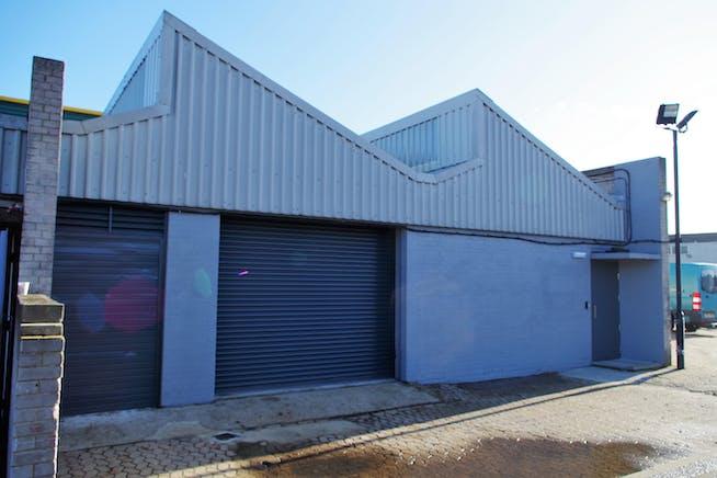Unit 17-19 Zennor Trade Park, Balham, Industrial To Let - IMGP4278.JPG