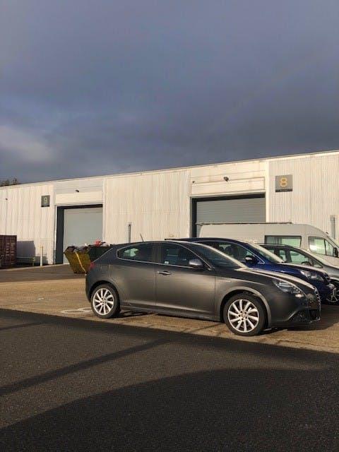 Units 8 & 9, Bilton Road, Basingstoke, Warehouse & Industrial To Let - Unit 8  9 Bilton.jpg