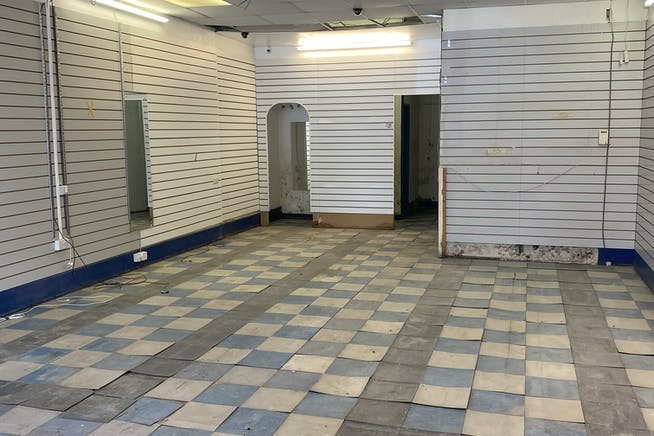 5 Hermit Road, Canning Town, Retail To Let - IMG9700.jpg