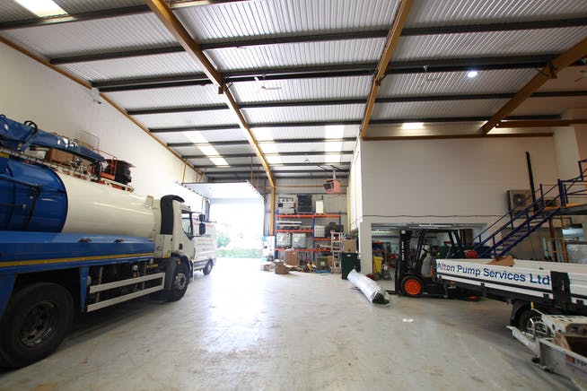 4 Riverwey Industrial Park, Alton, Warehouse & Industrial To Let - IMG_0096.JPG