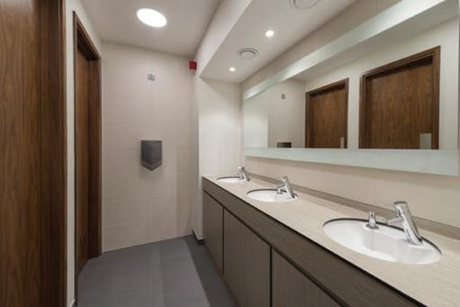 Compton House, The Guildway, Guildford, Office To Let - Toilets.jpg