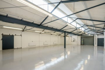 Unit 19 Zennor Trade Park, Balham, Industrial To Let - balham-zennor-103.jpg