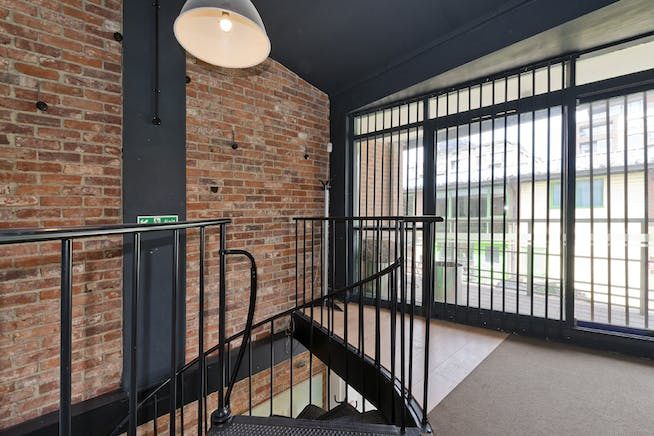 Unit 14, London, Residential To Let - unit 14 the talina centre7741 low.jpg