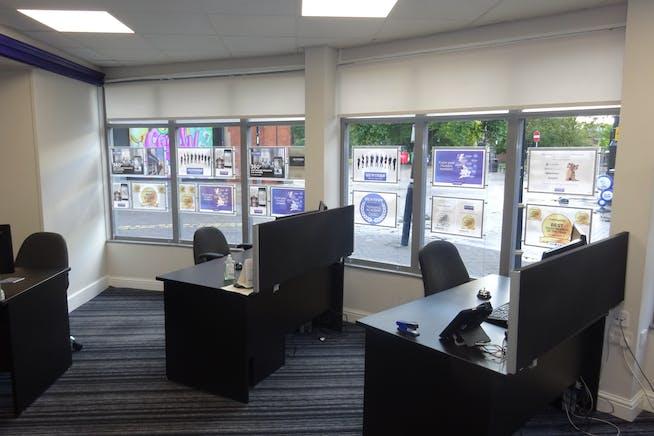 34-36 Burlington Street, Chesterfield, Offices / Retail To Let - DSC03019.JPG