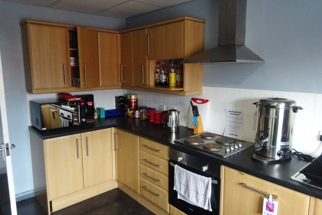 2 Manton Street, Sheffield, Warehouse & Industrial / Offices To Let - Kitchen.JPG