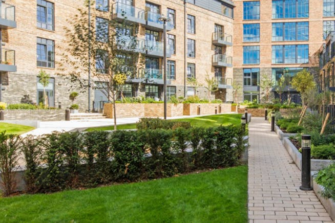 4 Valentine Place, London, Offices To Let - Communal Gardens
