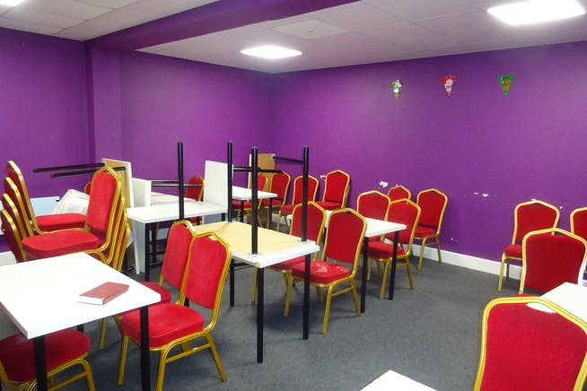 Ground Floor, Rima House, Ripple Road, Barking, Offices / Suis Generis (other) To Let - DSC02406.JPG