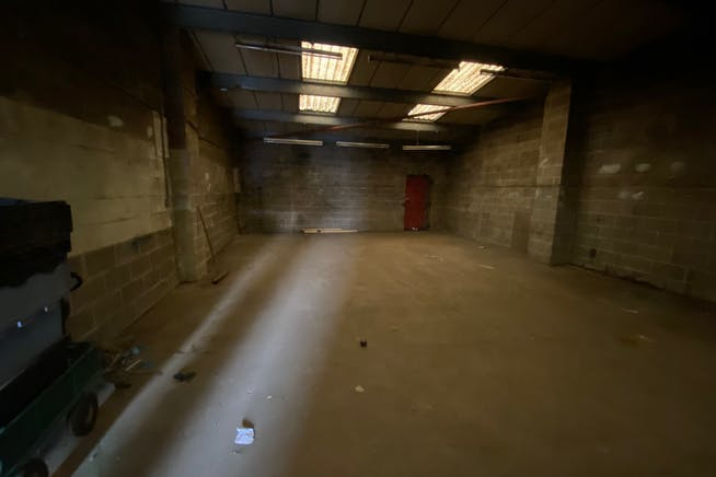 Unit 17 Greenshields Industrial Estate, London, Industrial To Let - IMG_2558.jpg