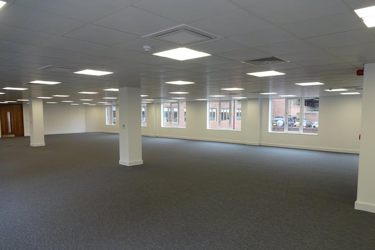Betchworth House, 57-65 Station Road, Redhill, Offices To Let - DSC01680.JPG