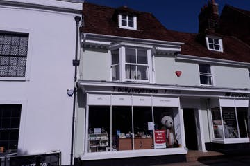 30 Broad Street, Alresford, Retail To Let - main.jpg