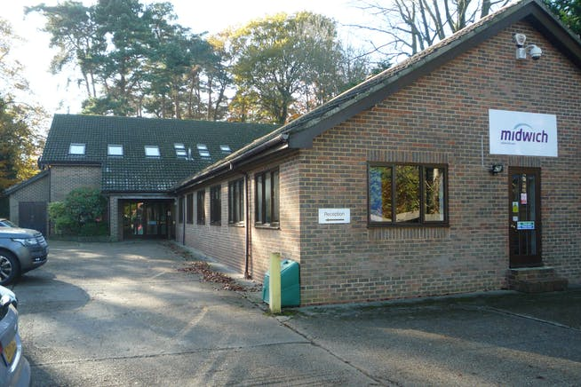 Technology House, Pinehill Road, Crowthorne, Offices To Let - P1030456.JPG