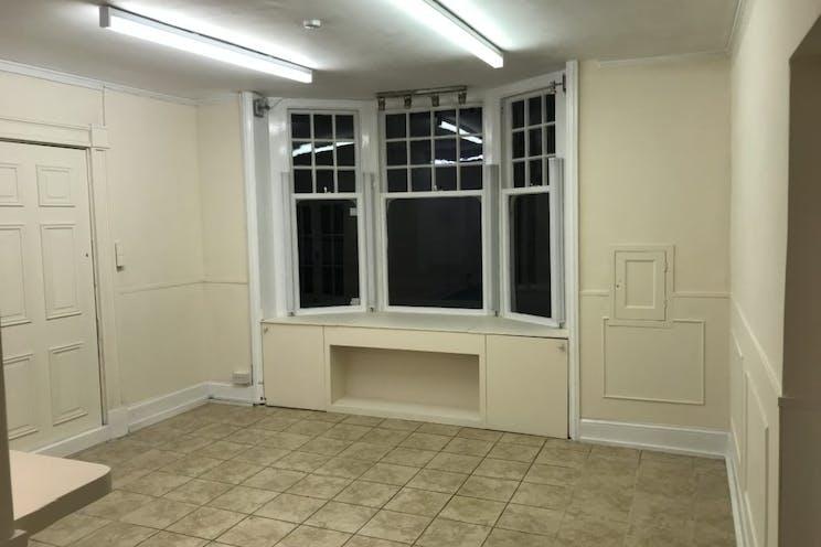 Lyndum House, Lyndum House, Petersfield, Retail To Let - 238-4206-1024x768.jpg