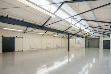 Unit 17-19 Zennor Trade Park, Balham, Industrial To Let - balham-zennor-103.jpg