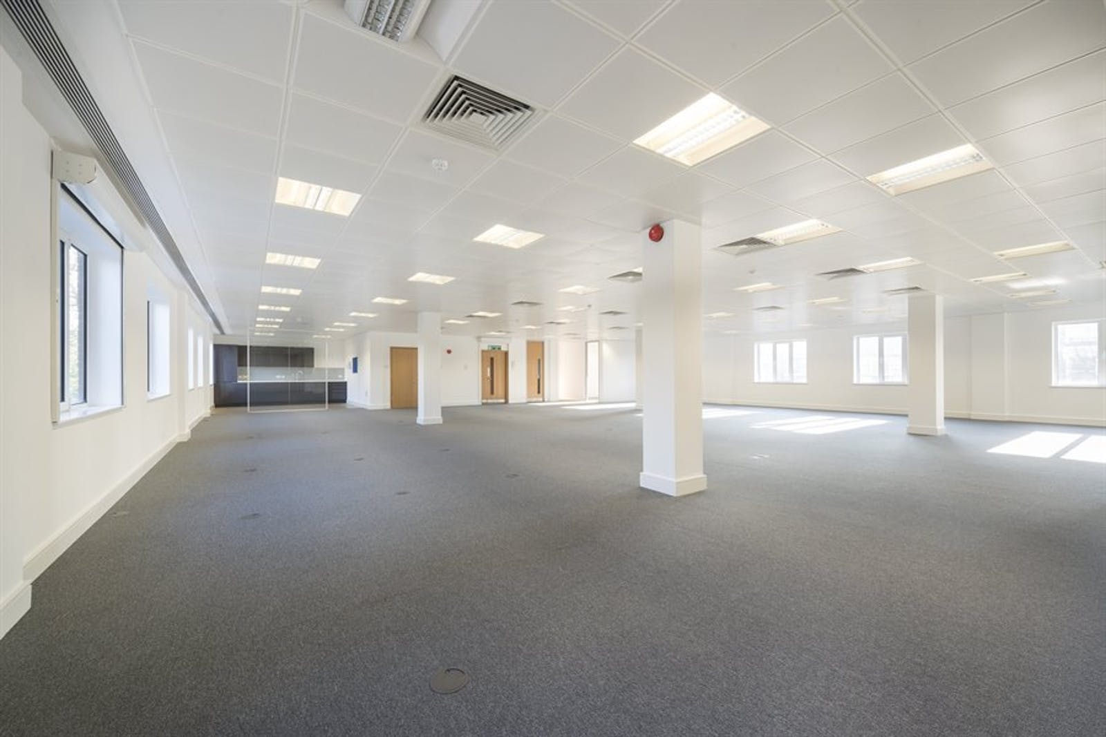 Chiswick Gate, Chiswick, London, Office To Let - 011_Property (1).jpg