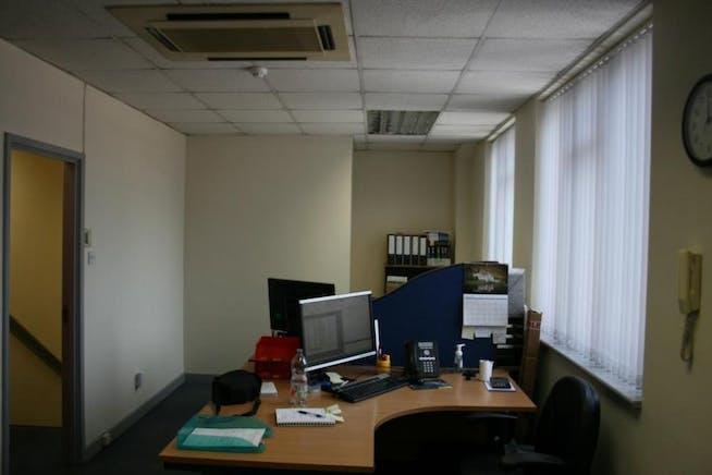 Unit C Grovebell Estate, Wrecclesham Road, Farnham, Warehouse & Industrial To Let - Office shot