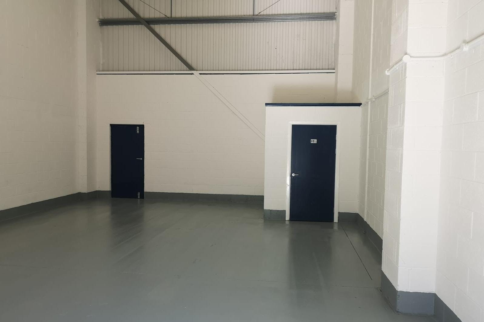 18 Helix Business Park, Wilton Road, Camberley, Warehouse & Industrial To Let - 5f878549-f1bf-4c47-bfe3-c1d167d26b0e (002).JPG