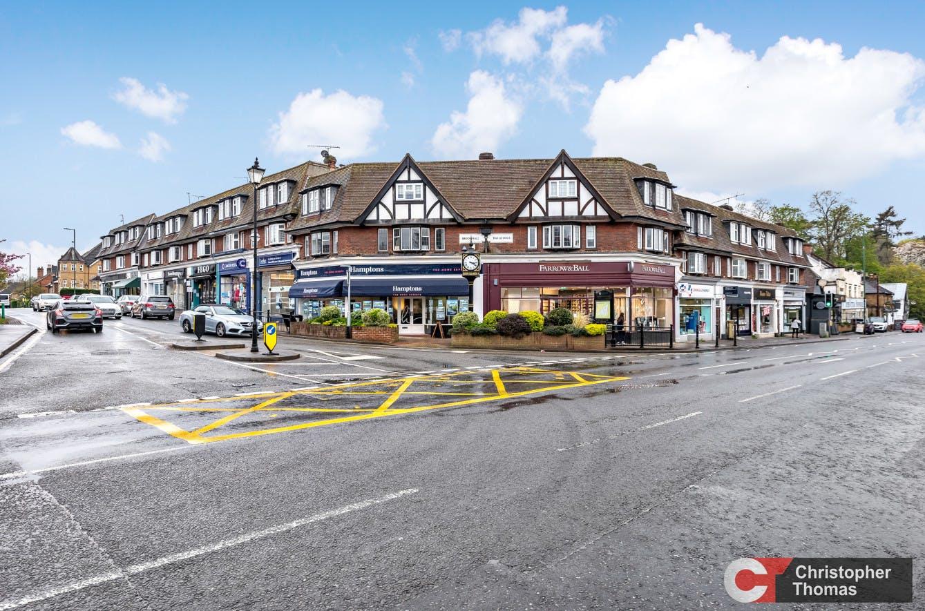 3 Broomhall Buildings, London Road, Sunningdale, Investment / Retail For Sale - 5864fa58b81b48849f995438dac6c637.jpg