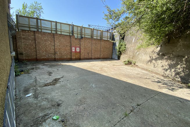 Unit 1 Hutchins Close, Stratford, Office / Industrial To Let - IMG_1355.JPEG