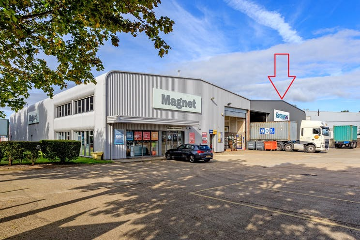 17a Invincible Road, Farnborough, Warehouse & Industrial To Let - 17 InvincibleRoadFarnborough1qq.jpg